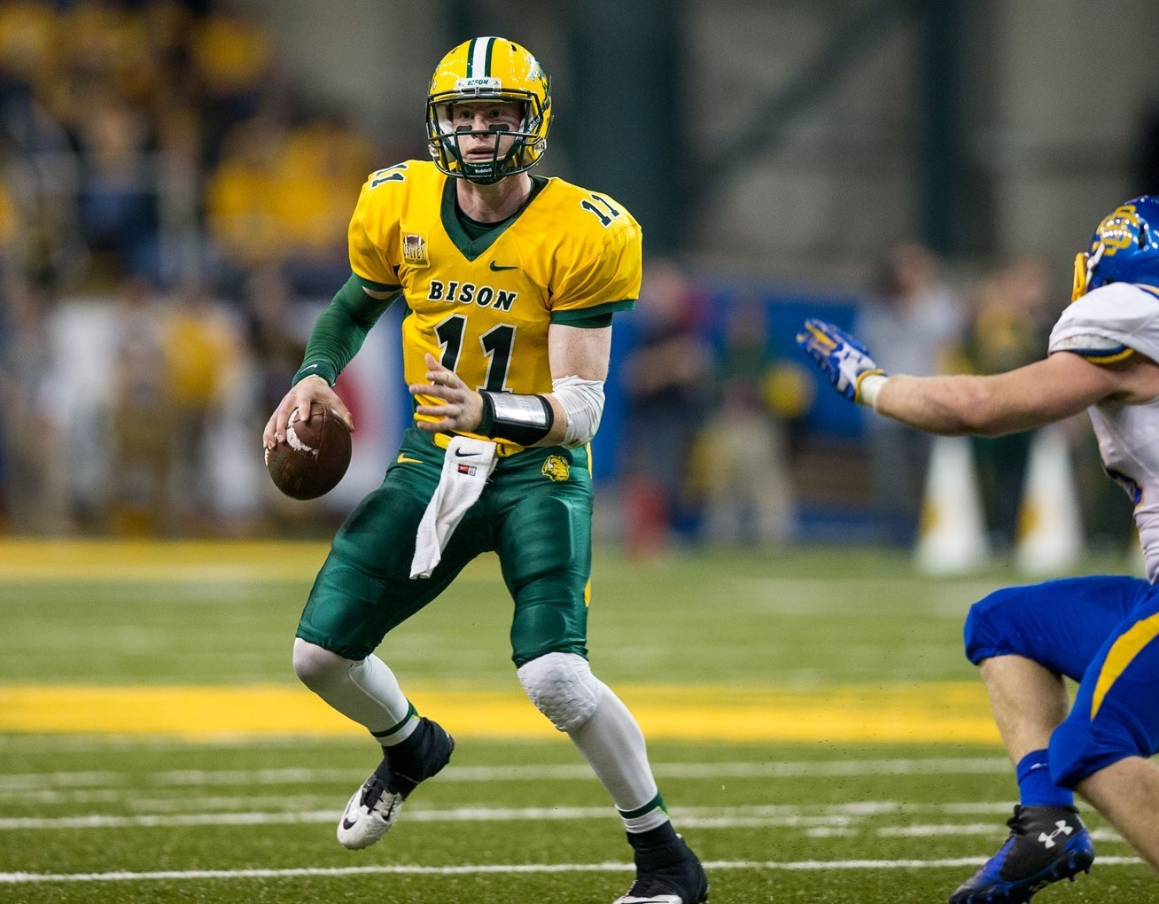 Wentz On Stats Fcs Offensive Player Of The Year Watch List Ndsu
